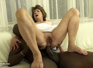 Horny mom toys her whore ass before taking a BBC