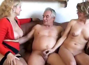 Mature threesome sex pictures