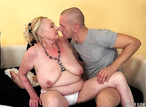 mature mom granny porn video of husband and wife having sex