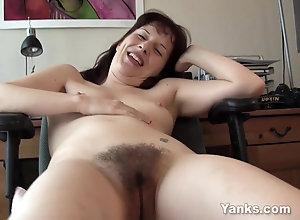 seks analny dziewczyna na górze